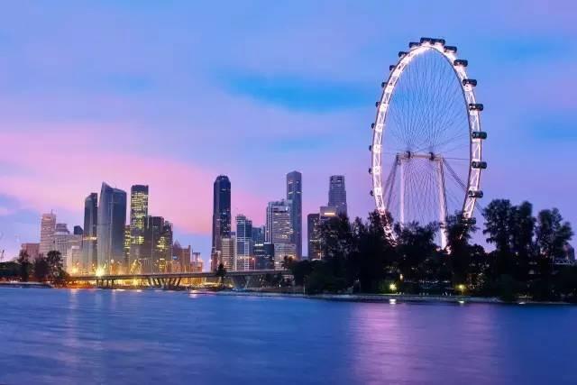 这个12月,一起去新加坡摩天观景轮过圣诞和跨年吧!