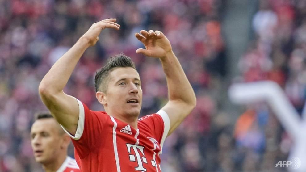 Football: Lewandowski scores twice in Bayern romp