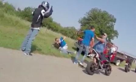 Crazy fight between bikers and truck drivers