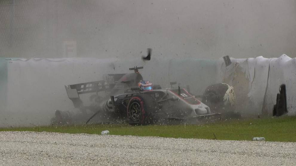 Formula One: Drain cover blow-out prompts track safety check