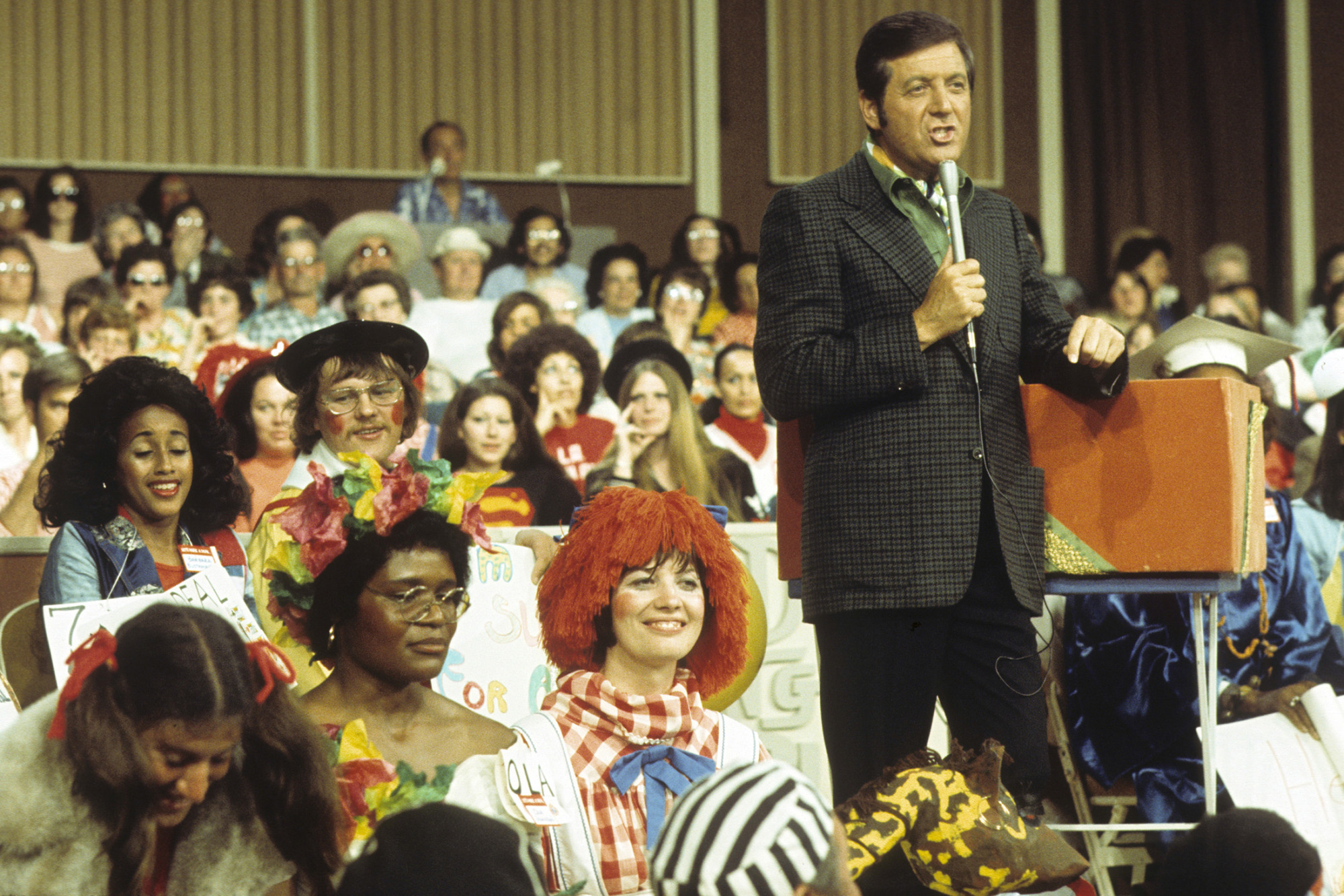 Monty Hall, Host of Game Show 'Let's Make a Deal,' Dies at 96