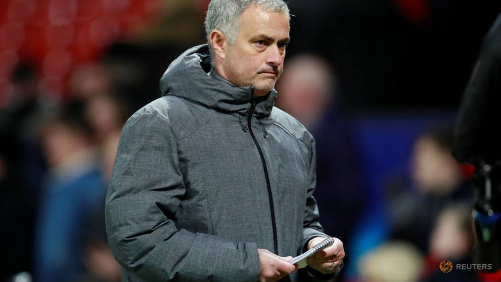 Mourinho unsure if United can deny City Premier League title
