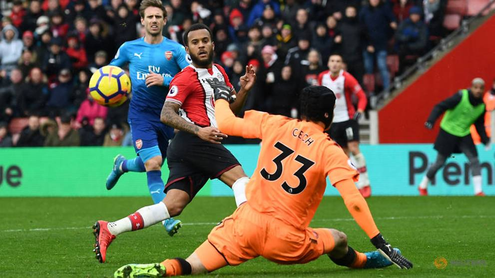 Southampton's Bertrand, Soares out of Huddersfield clash