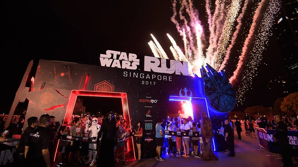 Return of Star Wars Run Singapore; participants to get prizes themed on Dark or Light side