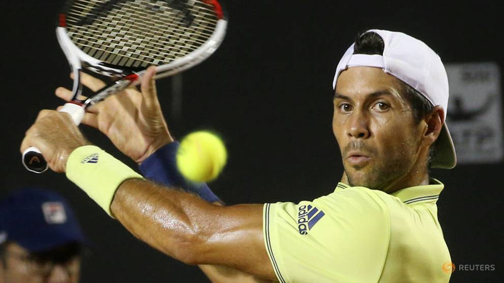 Verdasco upsets Dimitrov, Federer debut marred by rain