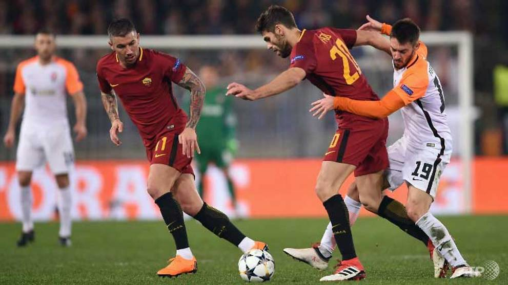Football: Dzeko sends Roma into Champions League quarters