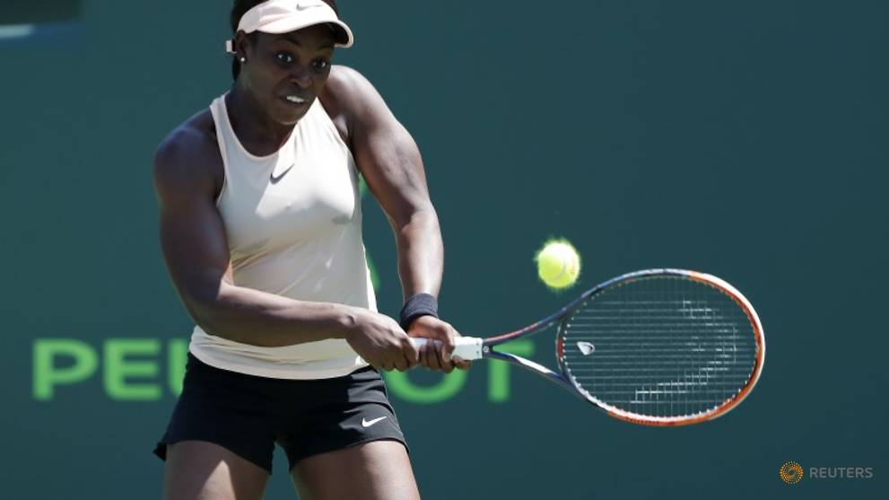 Tennis - Stephens powers past Muguruza to reach Miami quarters