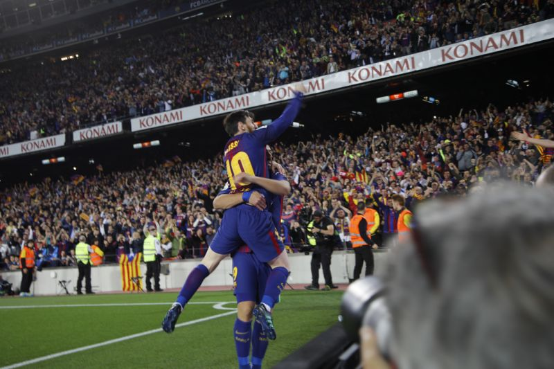 Messi gives 10-man Barca 2-2 draw with Madrid, Ronaldo hurt