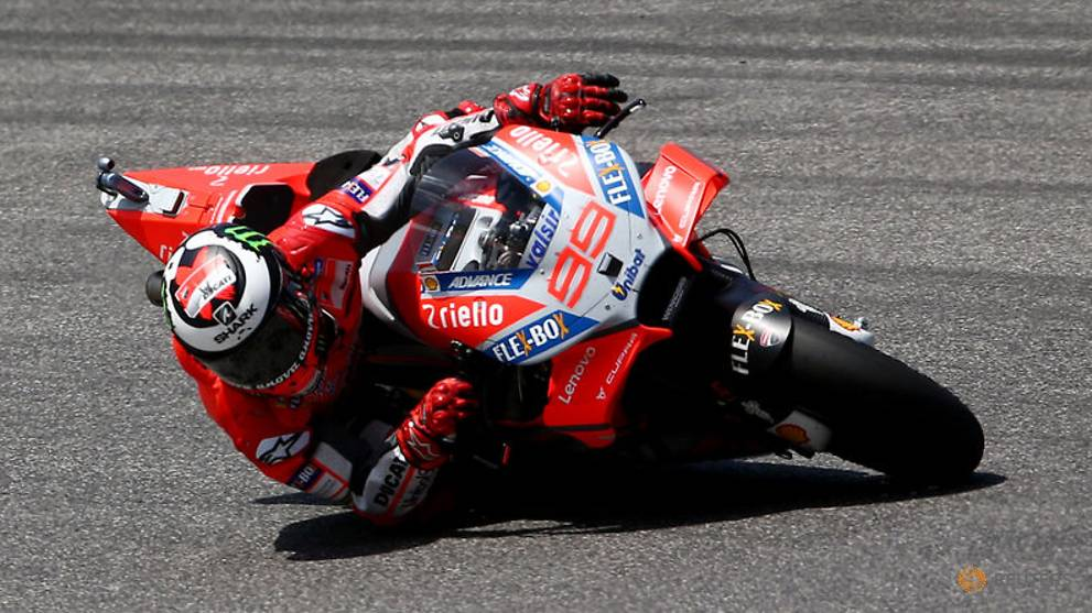 Lorenzo wins in Italy while Marquez fails to score