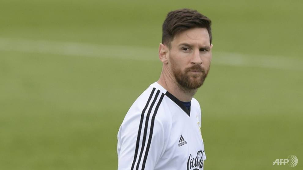 Football: Messi the star attraction as Banega trains apart