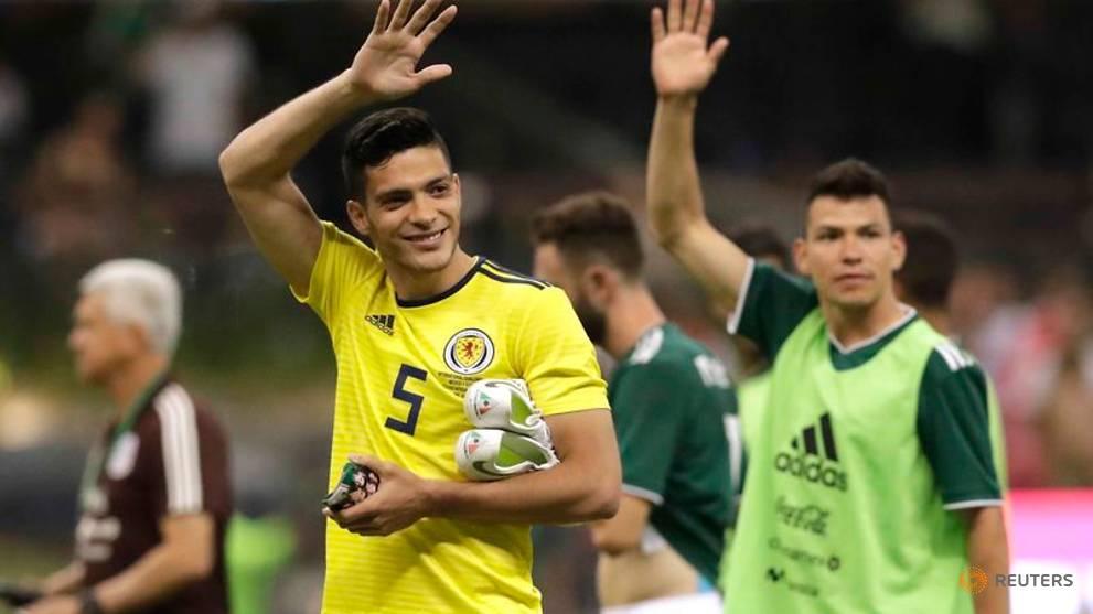 Soccer - Wolves sign Mexico forward Jimenez on loan