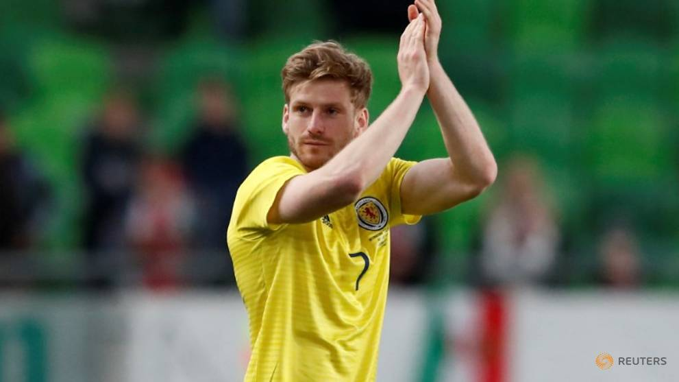 Southampton sign Scottish midfielder Armstrong from Celtic