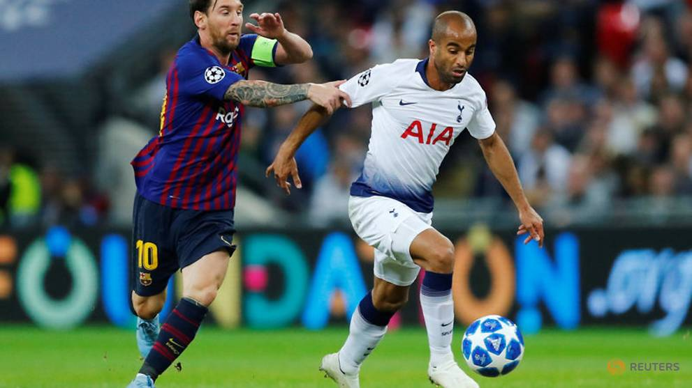 Moura recalled to Brazil squad after two-year absence