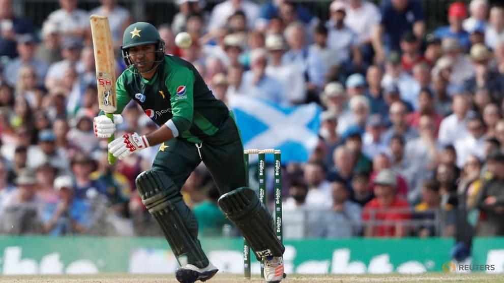 Cricket: Pakistan captain Sarfraz taken to hospital, Khawaja out for Aussies