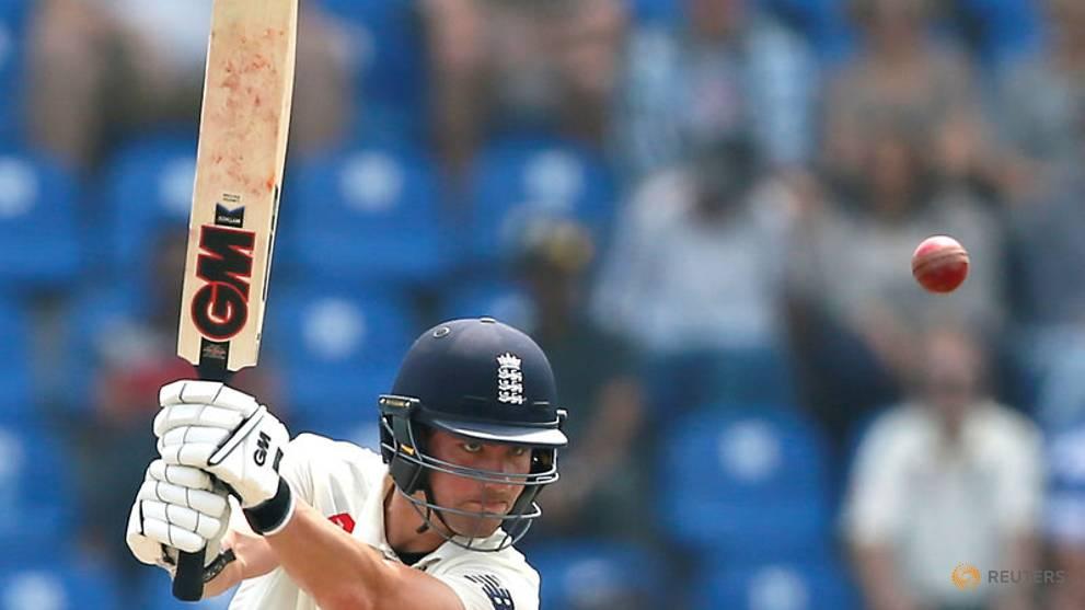 Buttler hits half-century as England struggle v Sri Lanka