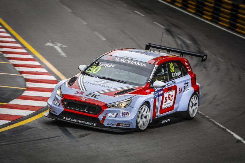 WTCR Macau: Huff gets pole again as points leader Tarquini crashes