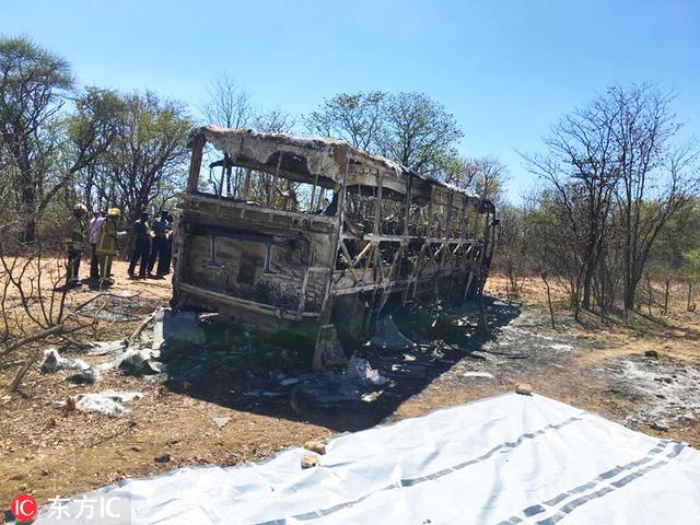 津巴布韦发生车祸 导致至少40人死亡