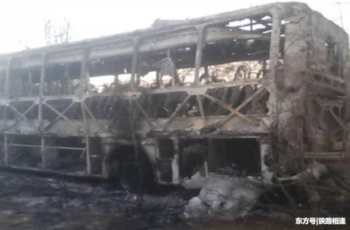 乘客带煤气罐坐车,满员大巴车发生爆炸,42人丧命!