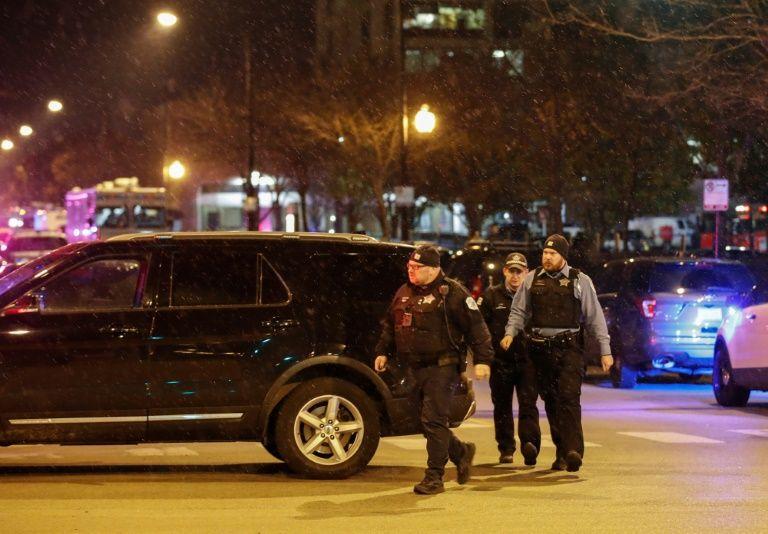 Gunman kills three at chicago hospital