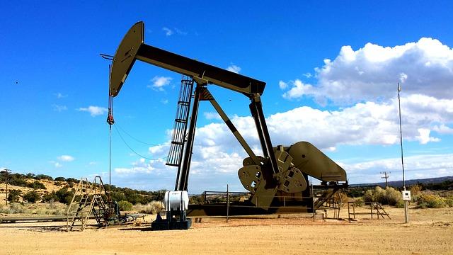 Oil falls for third day as Coronavirus travel bans escalate