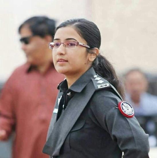中国驻卡拉奇领馆遇袭 这位女警率众击退武装分子