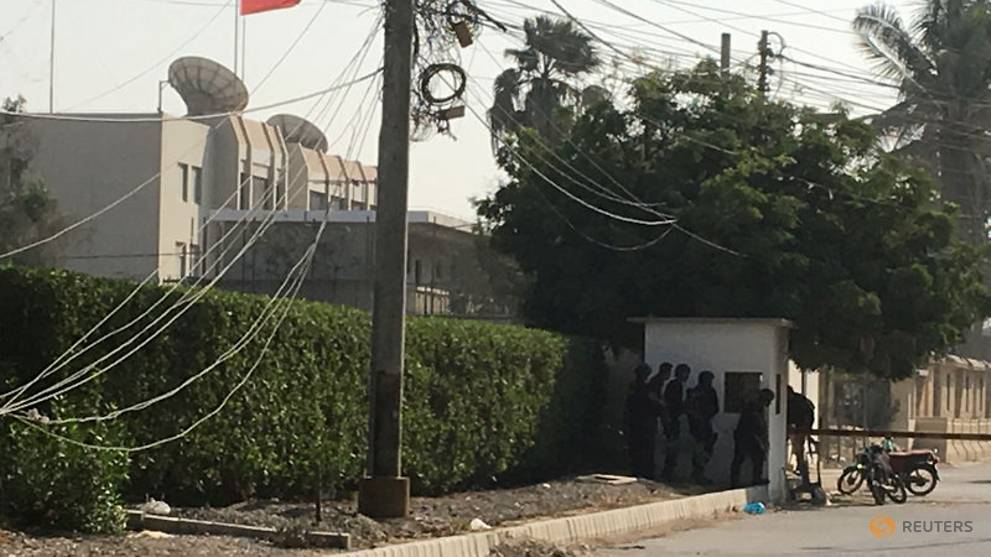 2 Pakistani policemen, suicide bombers killed in attack on China consulate in Karachi