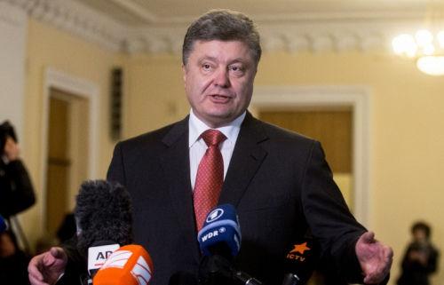 乌克兰总统称将提议国会宣布戒严 此前俄罗斯袭击扣押乌军舰