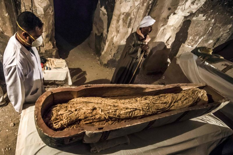 3,000-Year-old mummy revealed as egyptian officials open sarcophagus