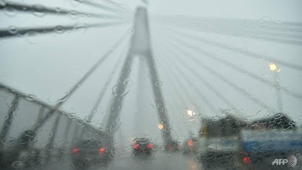 Heavy rains lash Sydney, causing chaos