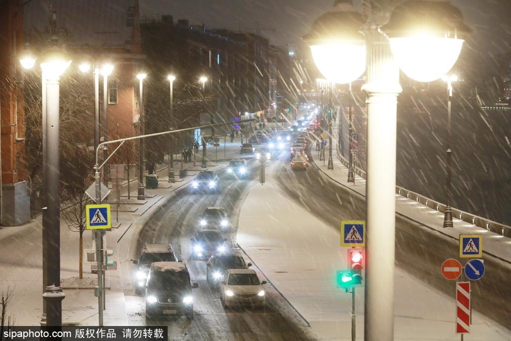 天寒地冻漫天飞雪!俄罗斯莫斯科迎来大雪天气