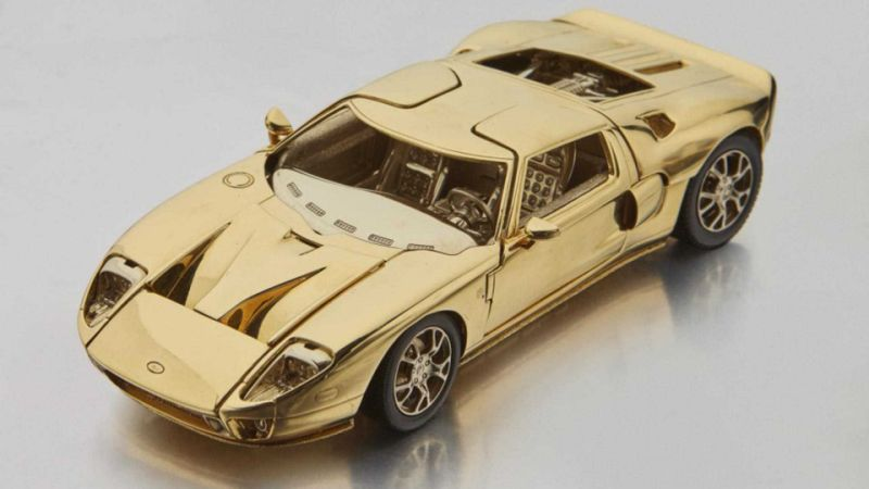 Solid gold 2006 Ford GT would be perfect for your desk