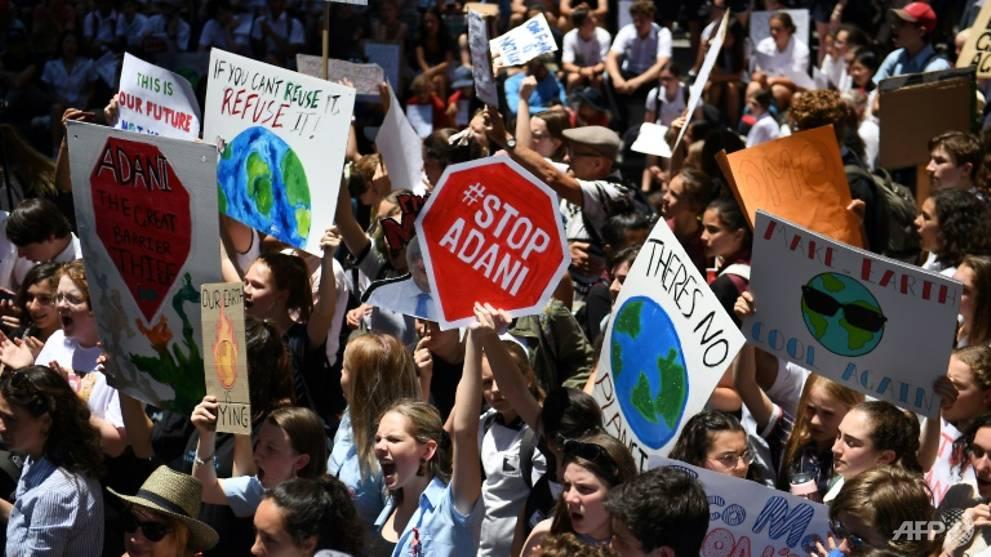 Australian kids skip school for mass climate protest