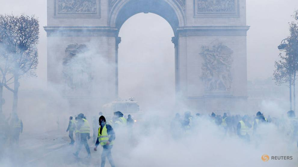 France to consider state of emergency to prevent riots recurring - Government spokesman