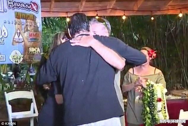 两男子当了六十年朋友,最后发现其实两人是亲兄弟!