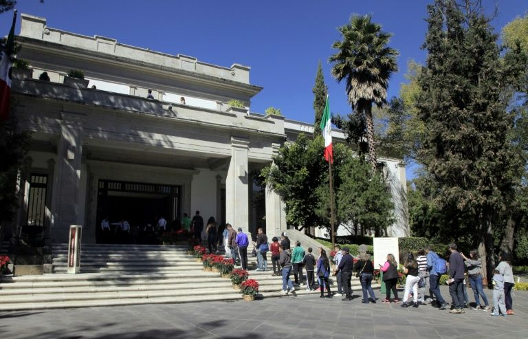 Mexico's new leader opens plush presidential residence to public