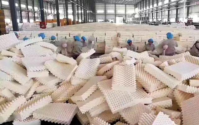 温州产的30元枕头在泰国卖8000,国外商家坦言:中国游客的钱好赚
