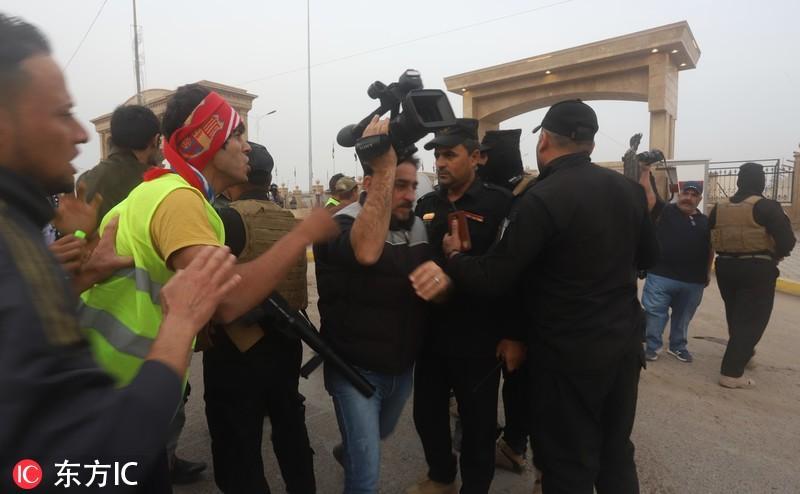 """法国""""黄马甲""""运动蔓延至伊拉克 民众示威抗议失业"""