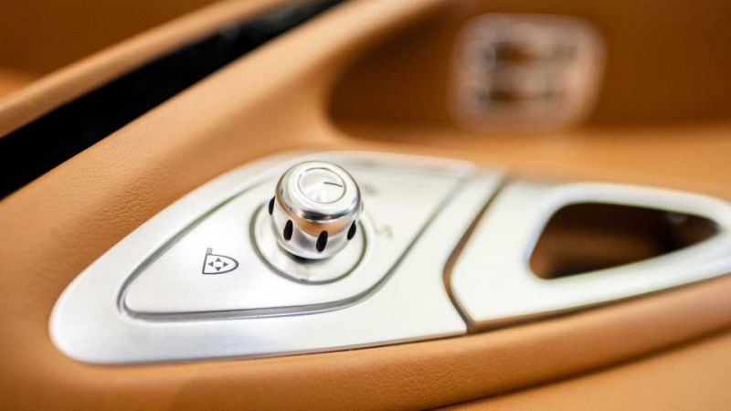 Bugatti Veyron interior can be yours for only £117,000