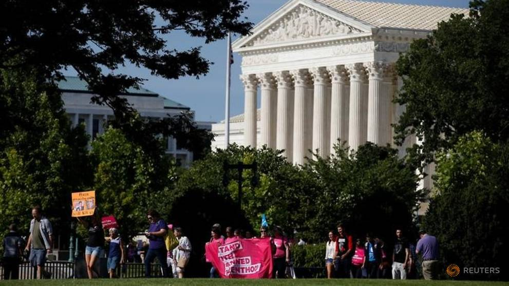 US top court spurns Louisiana, Kansas on Planned Parenthood cuts