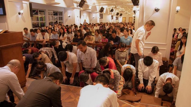 Members of unofficial Chinese church vow to defy crackdown and keep meeting
