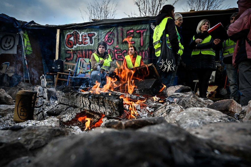 不买账?法国抗议者呼吁本周末继续示威活动