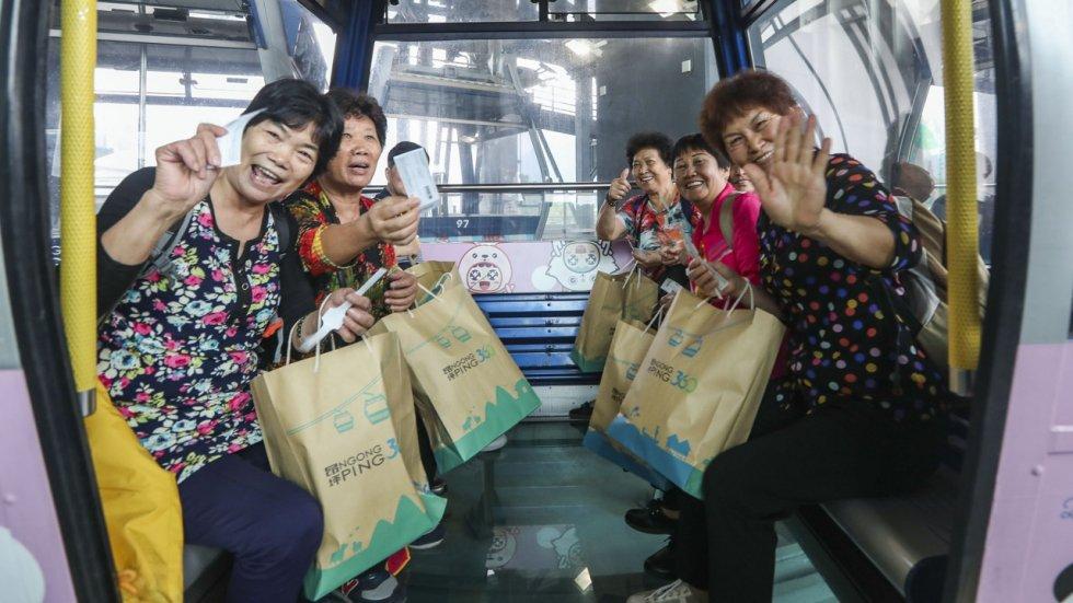 Record number of riders on cable car Ngong Ping 360 after Hong Kong-Zhuhai-Macau Bridge opens
