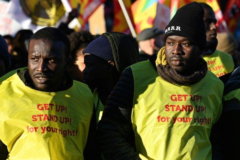 Italy mayors defy far-right leader on migrants