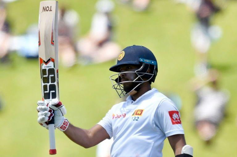 Mendis defiant as Sri Lanka dig in to avoid innings defeat