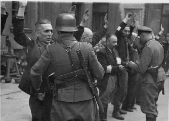德国再赔偿千名纳粹大屠杀幸存者 每人2500欧元