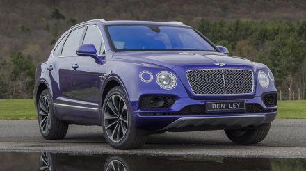 Rolls-Royce Cullinan drag races Bentley Bentayga