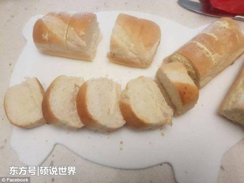 """超市出售的""""蒜蓉面包""""变干面团,遭愤怒的顾客的勐烈抨击"""