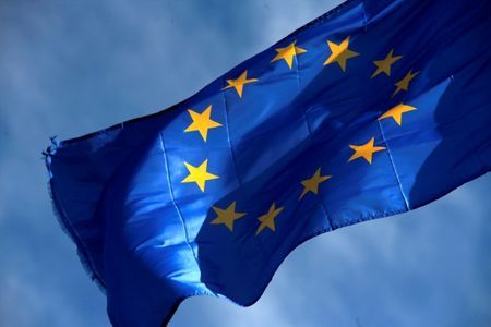 Eu formally extends sanctions against Russia by six months