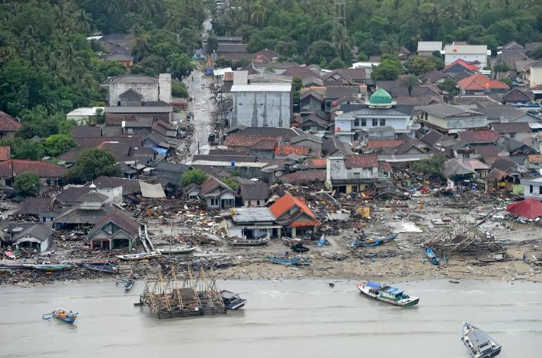 印尼海啸死亡人数上升至373人 128失踪