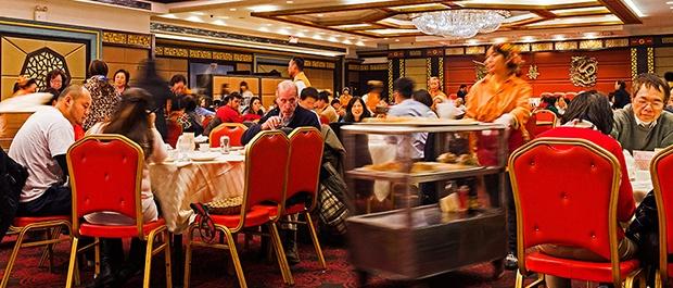 美媒探讨中餐馆历史:没有比圣诞吃中餐更美国的了(组图)